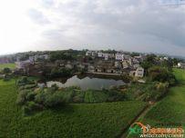 航拍:广东梅州兴宁坭陂湖柏村南门屋